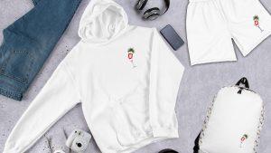 Hamburg T-Shirts online kaufen. Die Hamburg T-Shirts sind in verschiedenen Farben erhältlich. Wählen Sie zwischen Rundhals und V-Ausschnitt. Die Shirts, Hoodies und Pullover sind für Damen und Herren.